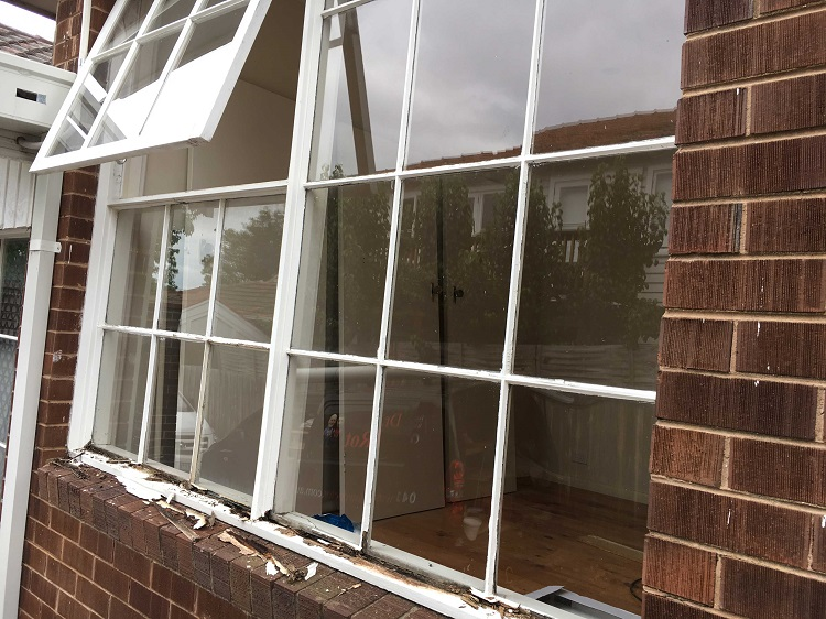 Cracked or Damaged Double Glazing